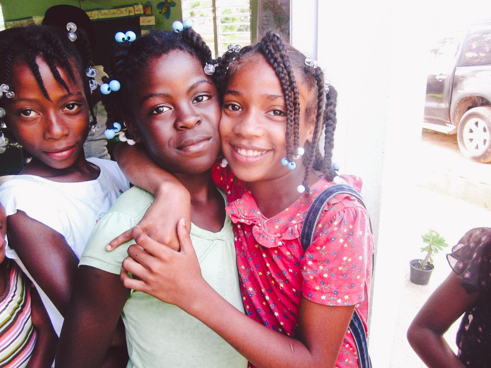 These girls are going to school thanks to Fundación La Merced.  © The Global Fund for Children